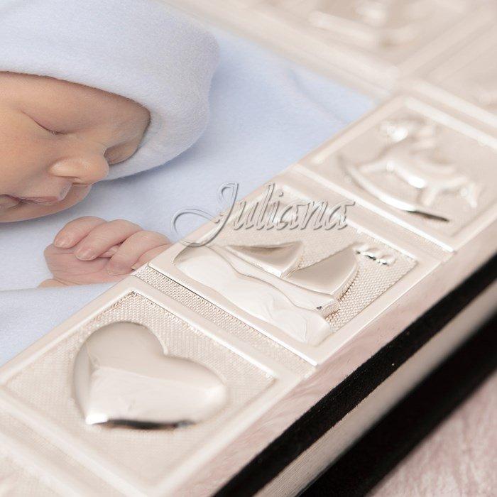 album bebelusi, Cadou de botez de la nasi si invitati