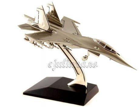 Avion de vanatoare F16 pentru birou