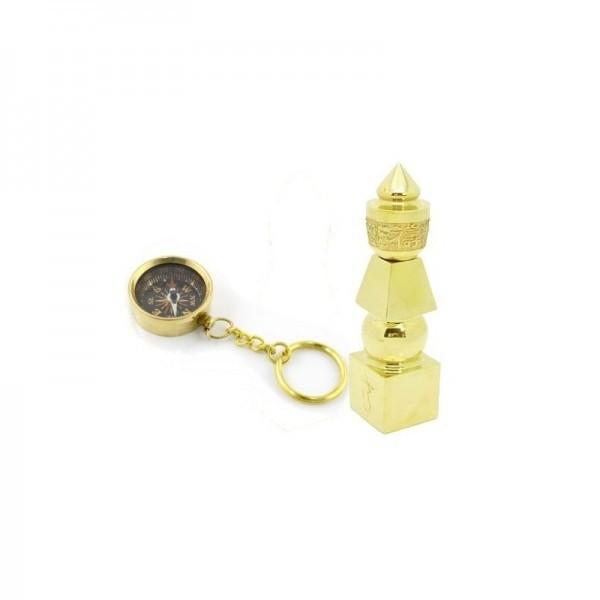 breloc cu busola si pagoda celor cinci elemente