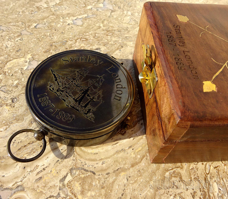 Cutie de lemn busola antichizata