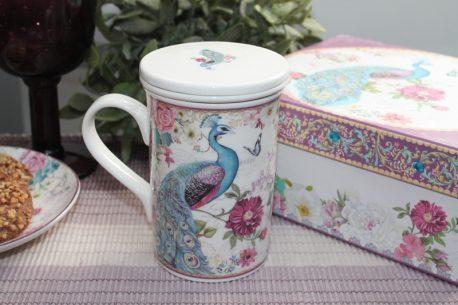 cana de ceai din portelan cu paun
