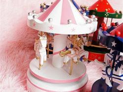 carusel muzical roz alb cadou fetita