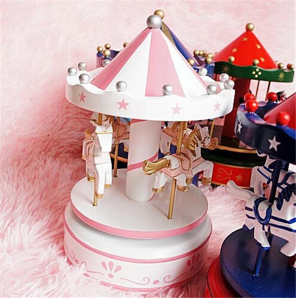 Carusel muzical roz alb cadou pentru fetita