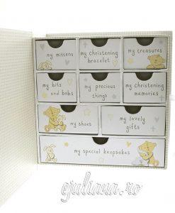 Caseta bebelusului cu sertare pentru botez
