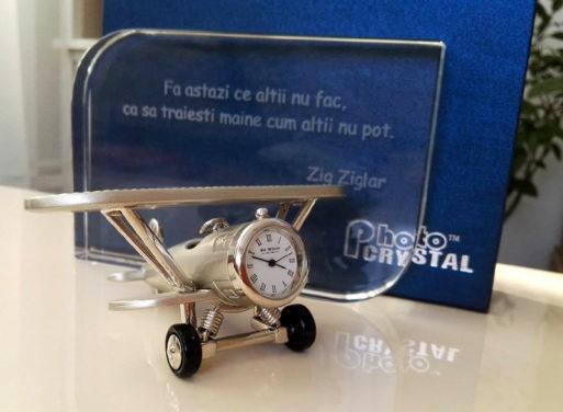 Trofeu de cristal avion argintiu cadou barbati