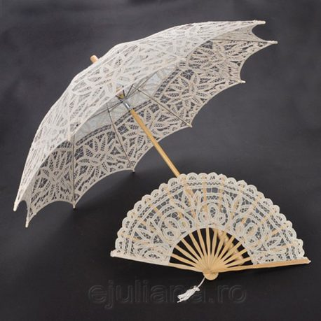 Evantai si umbrela de dantela crem