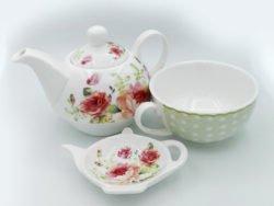 Ceainic ceasca cu flori de trandafiri
