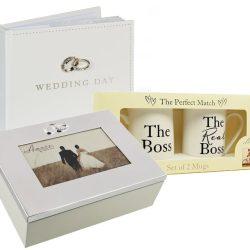 Album de nunta cu inimioara, caseta miresei si cani de portelan pentru cuplu