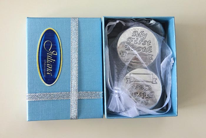 Casetute pentru prima bucla si primul dintisor cadou de botez pentru baietel Juliana