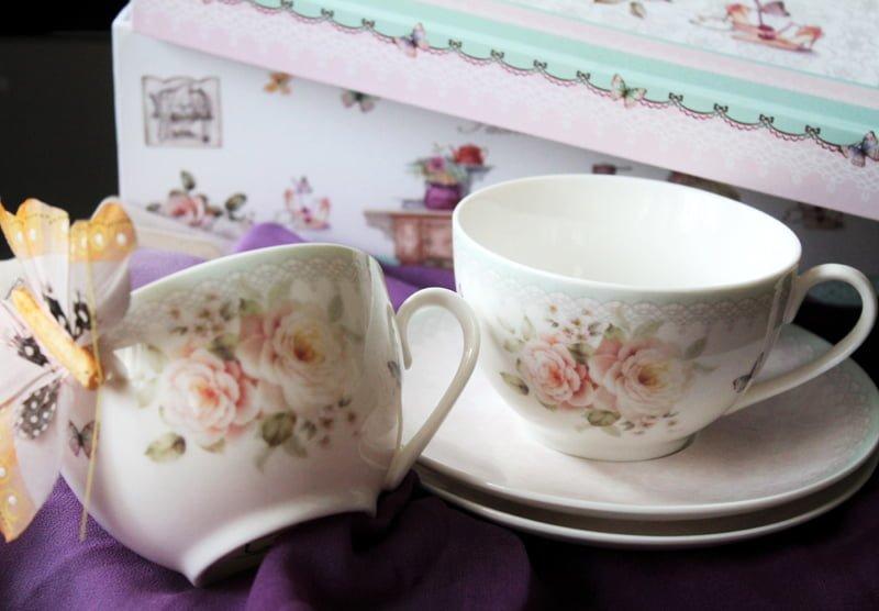 Cesti de cafea din portelan fin, Cesti de cafea cu trandafiri vintage