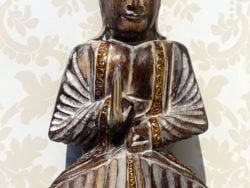 Buddha de lemn sculptat