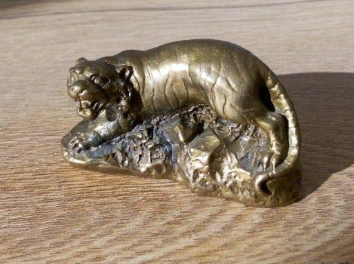 Tigru de bronz