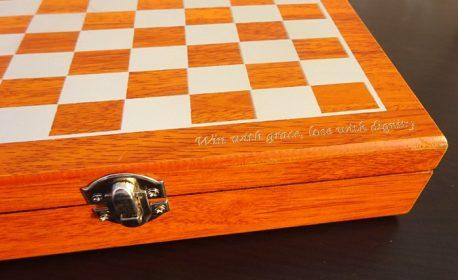 Sah set de whiski cadou personalizat cutie gravata
