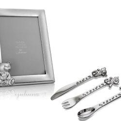 Rama foto si tacamuri argintate pentru bebelusi