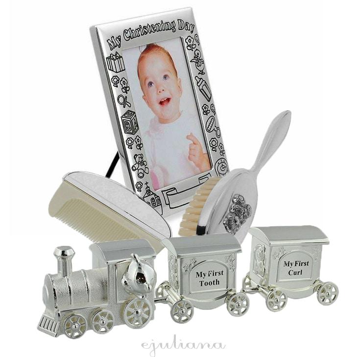 rama de botez, in set cu perie si pieptene si cutiute pentru mot si primul dintisor tren