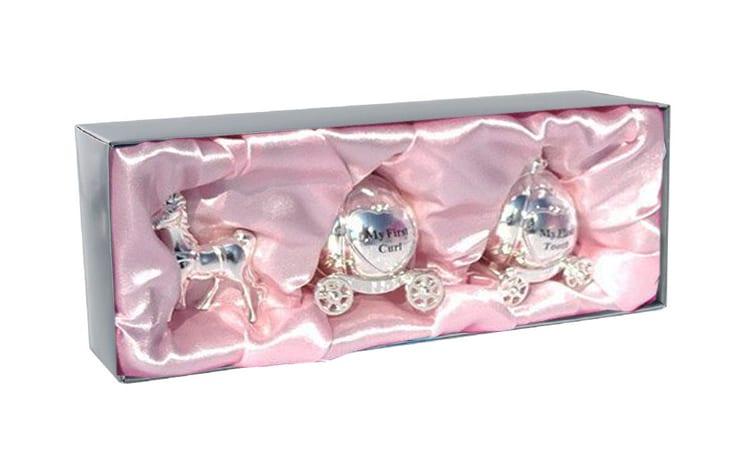 Set cutiute pentru mot si primul dintisor caleasca arguntata pentru fetita