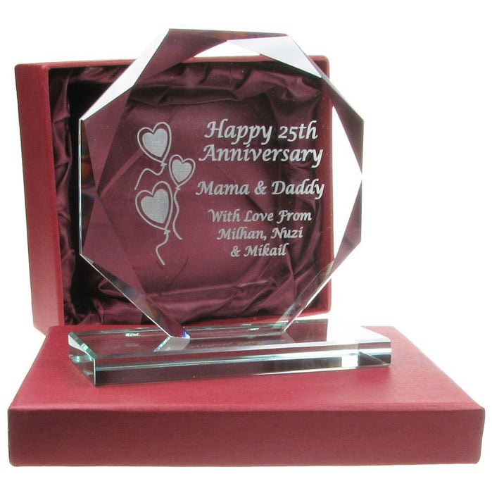 Trofeu de cristal, cadou personalizat pentru aniversarea a 25 de ani decasatorie, nunta de argint