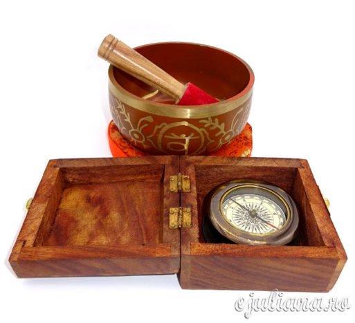 Bol cantator busola lupa cutie de lemn