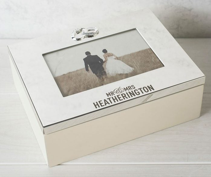 Caseta de nunta gravata personalizata