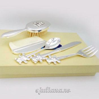 Set perie pieptan tacamuri cadouri argintate botez