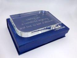 Cadou personalizat Trofeu de cristal mesaj personalizat