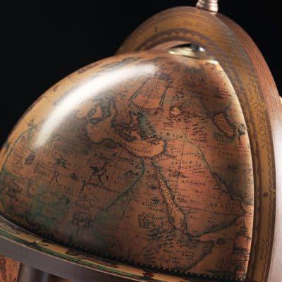 Bar glob pamantesc clasic antichizat din colectia Giunone Zoffoli