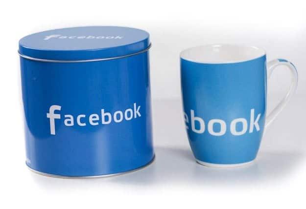 Cana Facebook in cutie metalica