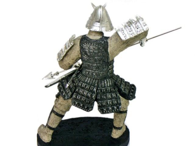 Statueta samurai japonez cu arme