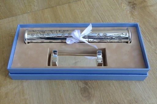 suport pentru certificat argintat set cu baza Juliana cadou petnru baietel