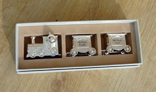 Set tren argintat mot primul dintisor tren baietel