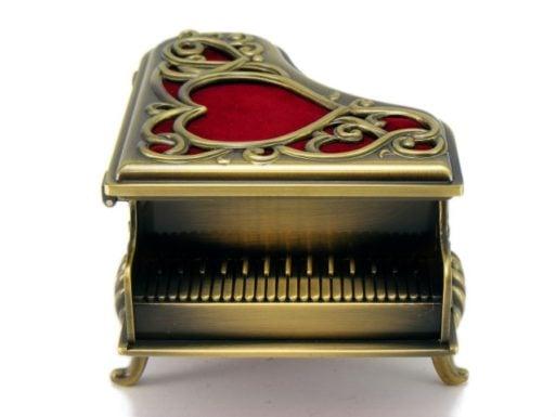 Caseta pian antichizat cadou pentru ea