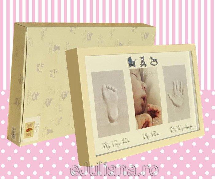 Rama amprenta manuta piciorus fetita