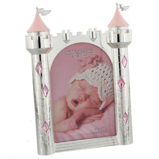 Rama castel pentru fetita