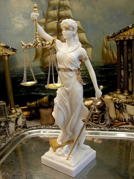 Zeita dreptatii si Justitiei din alabastru 32cm