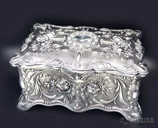 Caseta de bijuterii cu cristal