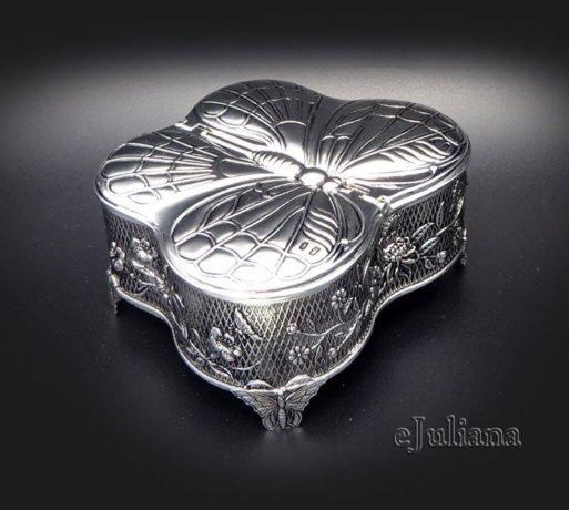 Caseta de bijuterii argintata fluture