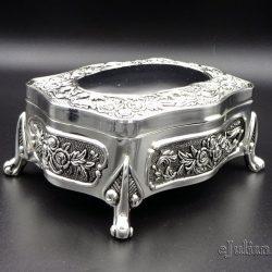 Caseta argintata vintage cu picioruse