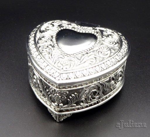 Caseta inimioara argintata vintage