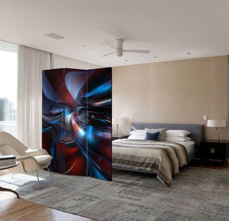 Paravan despartitor decorativ acoperit cu panza canvas, imprimata cu imagini abstracte.