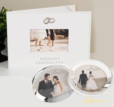 Carte pentru certificatul de casatorie si rama foto verighete pentru miri