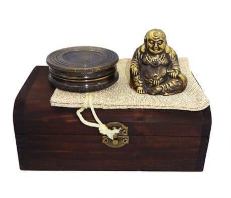 Buddha si busola in cutie de lemn antichizat Buddha si busola in cutie de lemn, idei de cadouri pentru barbati