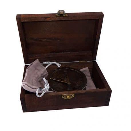 Busola Stanley London in cutie de lemn antichizat