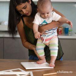 Rama amprenta bebe dubla Bambino by Juliana, cu accesorii si kitul pentru mulaj, idei de cadouri pentru botez si prima aniversare a bebelusului din colectia Juliana.
