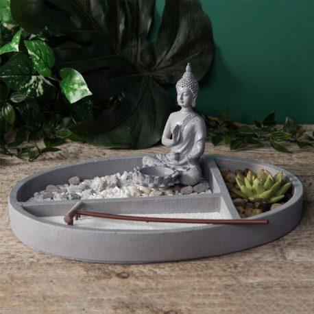 Statueta Buddha in Gradina Zen