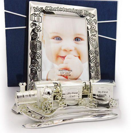 Album tacamuri argintate mot dintisor Bambino, cadouri de botez si prima aniversare, frumos decorate si prezentate in cutie Juliana.