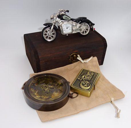 Busola si bricheta cu motocicleta ceas de birou