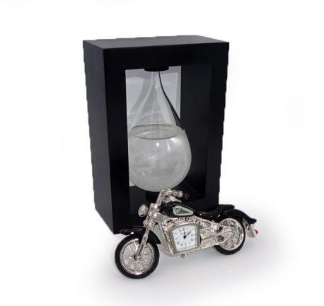 Motocicleta ceas si sticla furtunii