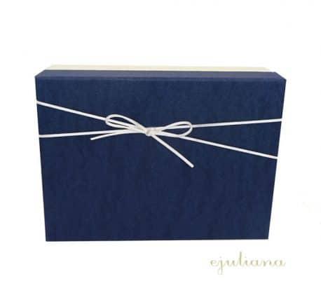 Cutie de cadou cu capac bleumarin pentru baietel