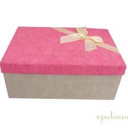 Cutie de cadou cu capac roz decorat cu fundita crem