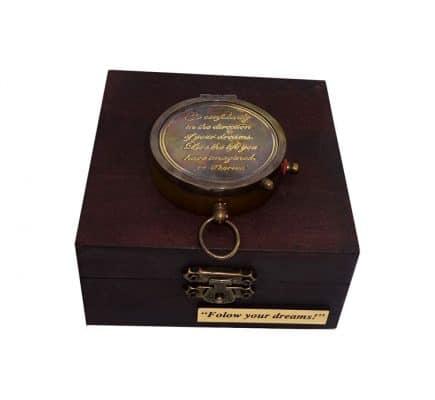 Busola in cutie cadouri personalizate